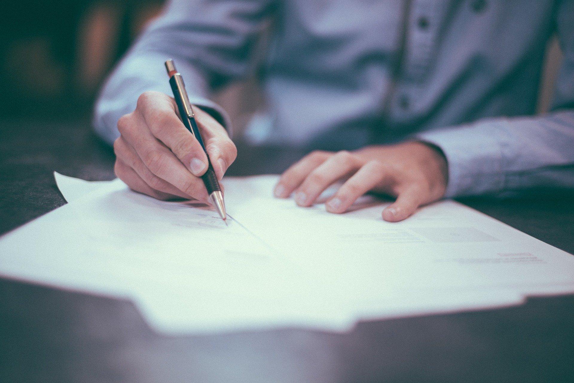 Signature d'une formalité administrative