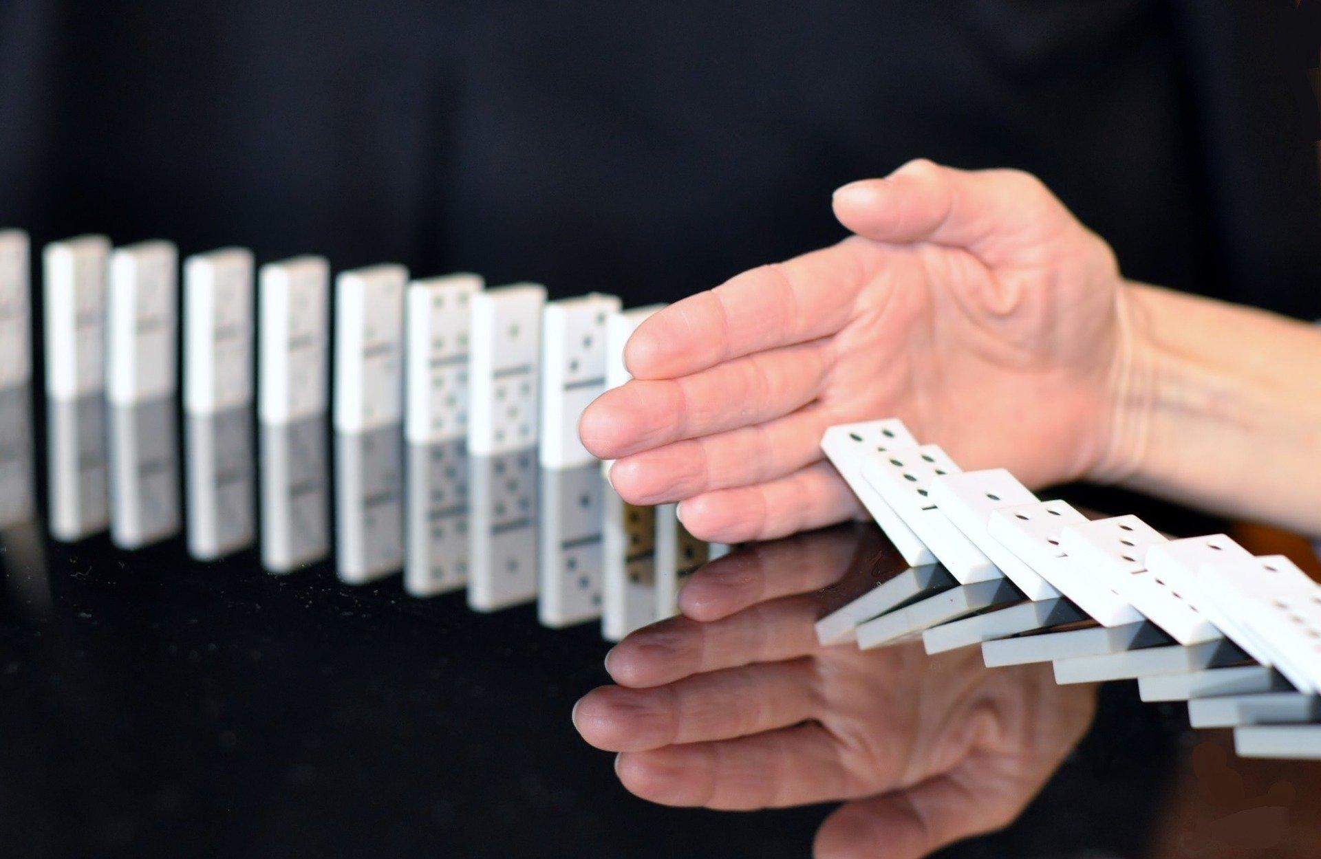 Un geste barrière interrompt l'effet domino